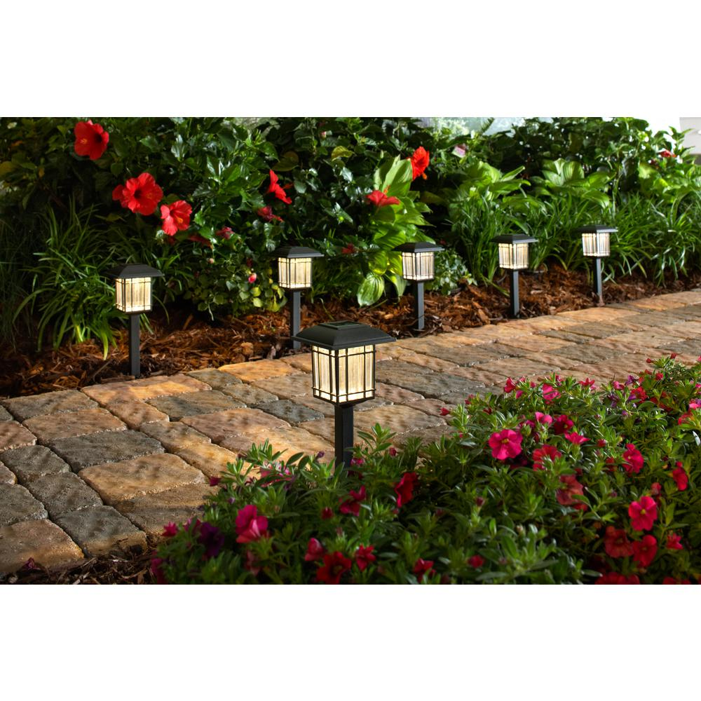 Hampton-Bay-Solar-Black-Outdoor-LED-3000K-6-Lumens-Landscape-Light-6-Pack thumbnail 5